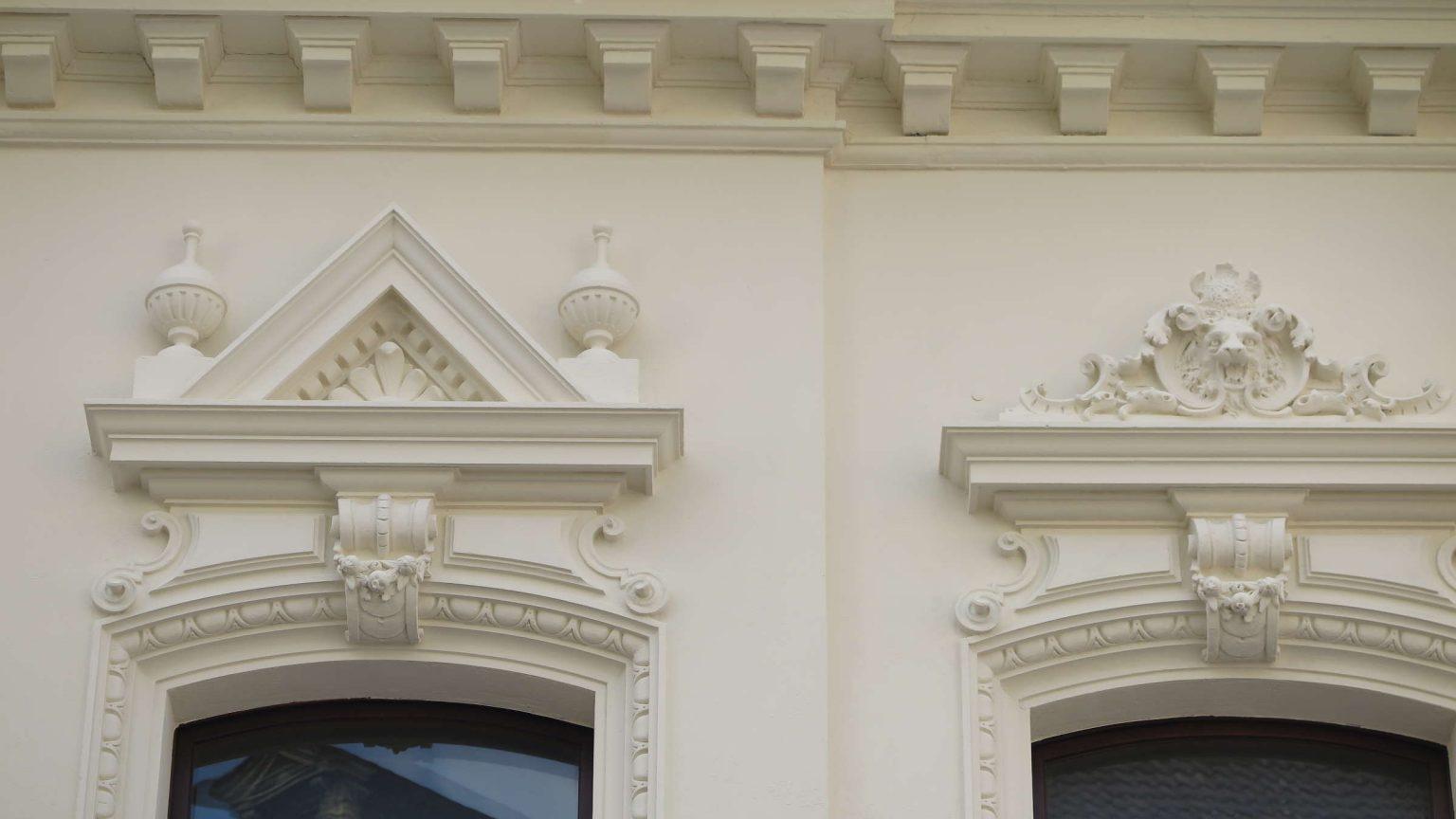Architekt_Koeln_Denkmalschutz_Stuck_Holzfenster