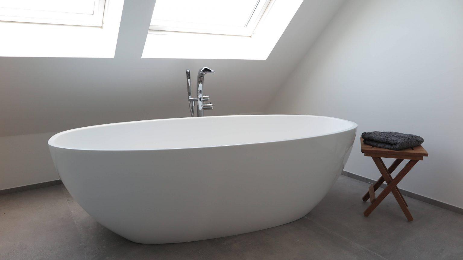 Architekt Koeln freistehende Badewanne